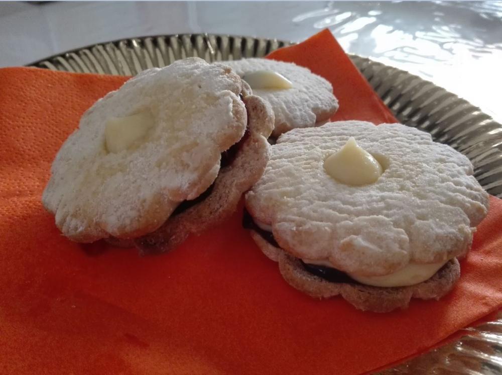 Prepariamo i canestrelli Saper di Sapori con crema pasticcera e confettura
